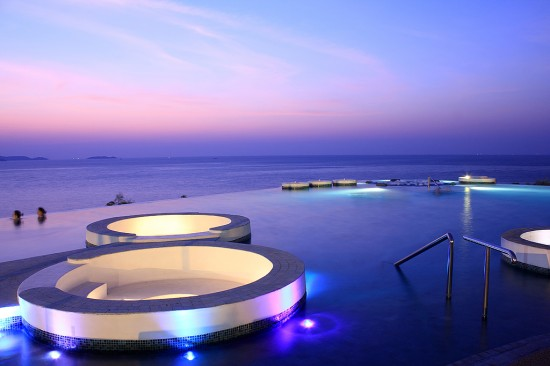 Barcelona June 3rd Royal Cliff Hotel Group One Of Asia S Most Award Winning Hotels Announces The Renewal Its Partnership With Reviewpro